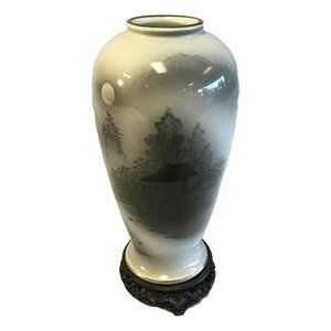 Sinto Hand Painted Japanese Vase With Wood Stand
